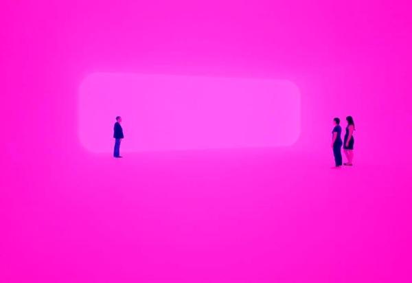 3 perfumes néon pink: Insolence, Pleats Please e Dahlia Noir edp